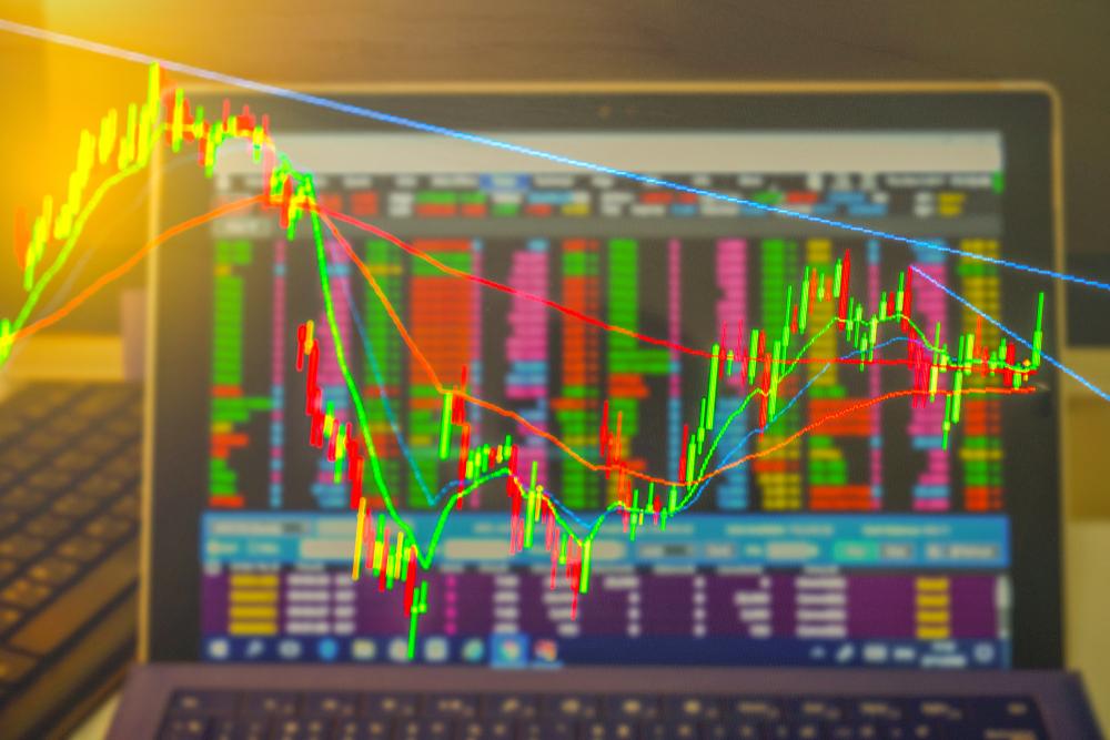 Historická vs. implikovaná volatilita