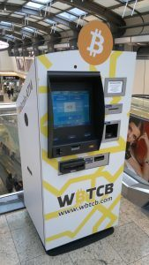 Bitcoin bankomaty jsou automatizované směnárny mezi hotovostí a digitální měnou.