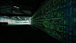 Bitcoin farmy jsou místa, kde se téží Bitcoin pomocí vysoce výkonného hardware.