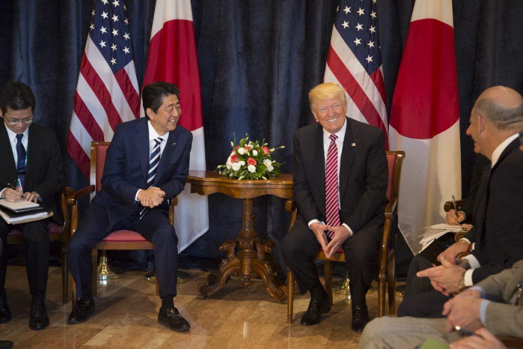 Donald Trump a Shinzo Abe