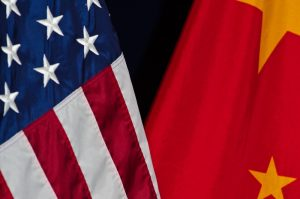 Čína pohrozila Spojeným státům odvetnými cly, Trumpa to příliš nevystrašilo