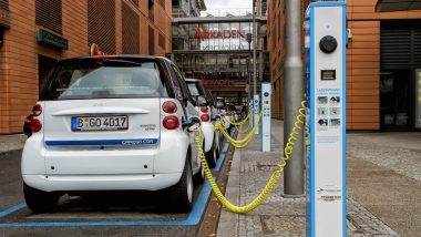 elektromobilní akcie