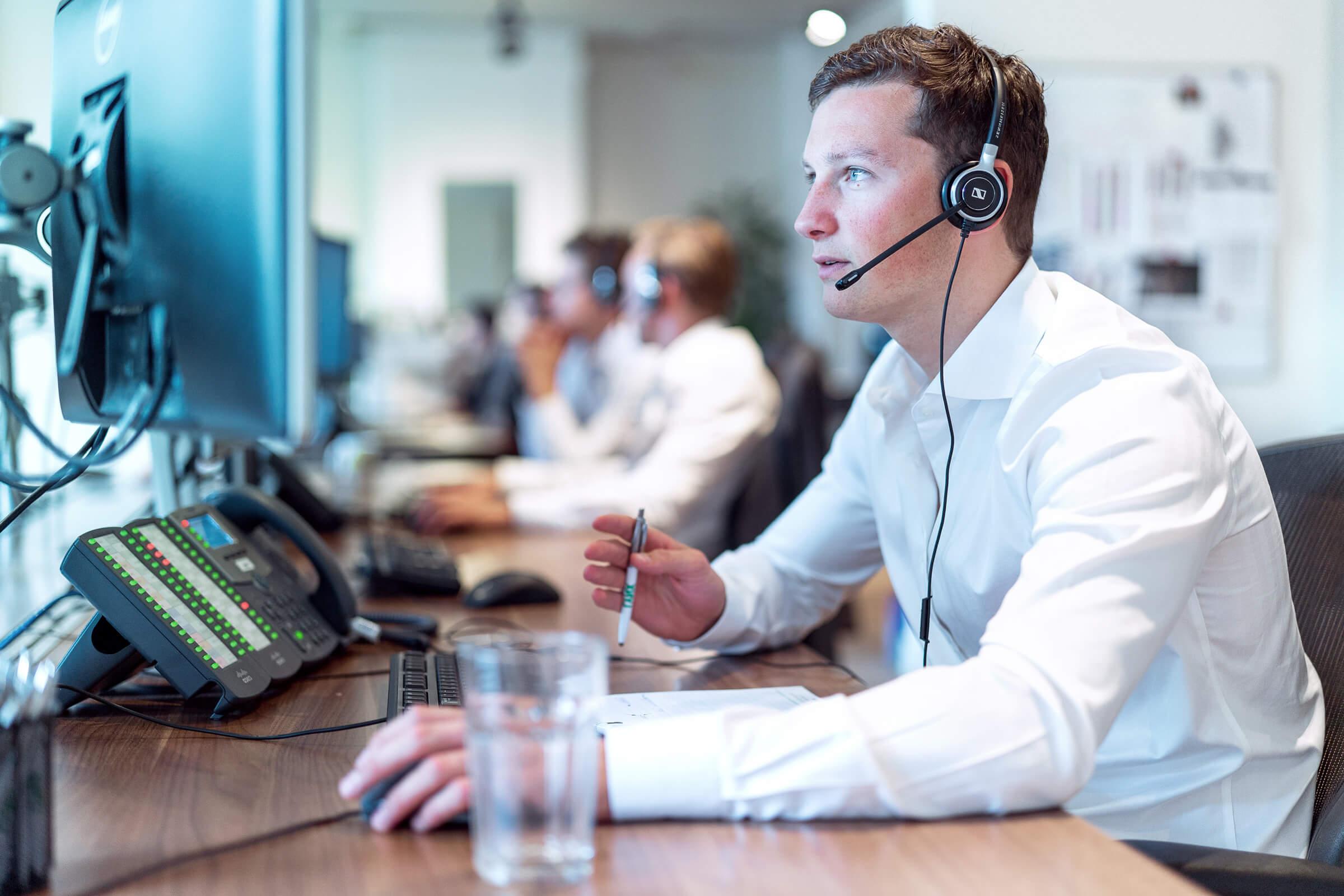 Vyškolený personál zodpovídající dotazy klienta LYNX ohledně investování