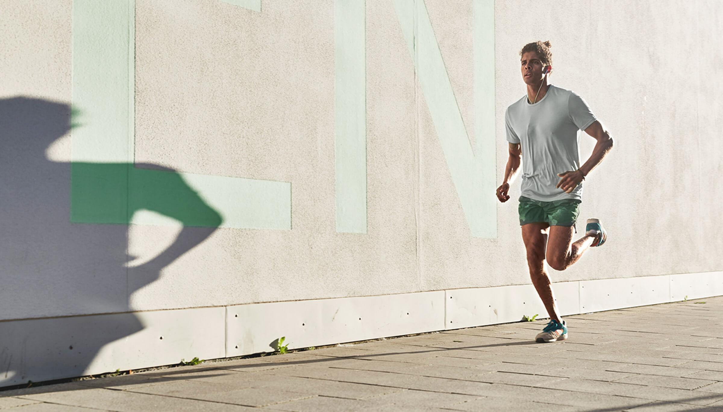 Investor který při ranním běhu přemýšlí o přechodu k online brokerovi LYNX